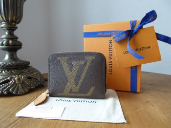 Louis Vuitton Limited Edition Zippy Coin Purse in Giant Monogram - New
