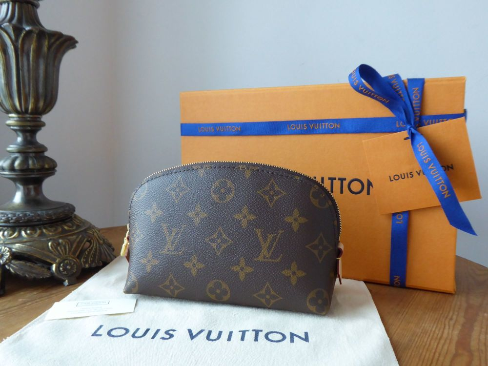 Louis Vuitton Cosmetic Pouch in Monogram Canvas - New