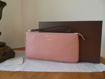 Gucci Swing It Zip Pouch Wristlet Clutch in Dusky Rose Pink Calfksin - New*