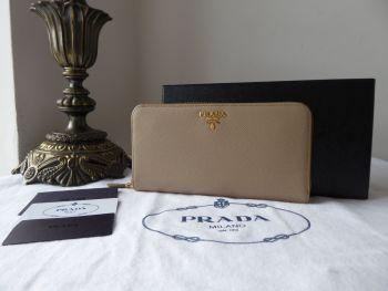 Prada Large Zip Around Continental Purse Wallet in Visone Grey Saffiano Leather - New