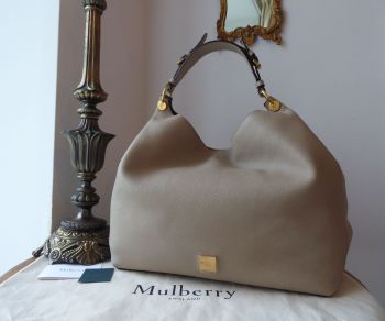 Mulberry Large Freya Hobo in Dune Small Classic Grain Leather - New