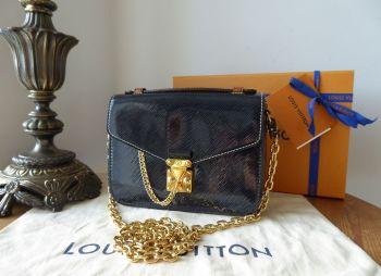 Louis Vuitton Pochette Métis Mini in Shiny Epi Noir & Monogram Reverse