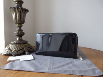 Alexander McQueen Skull Zip Around Large Continental Purse Wallet in Black Patent Leather with Silver Hardware - As New
