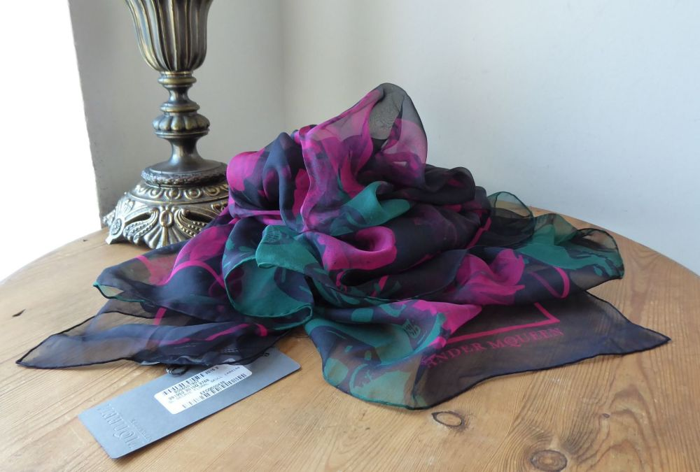 Alexander McQueen Decayed Dark Floral Large Square Skull Scarf Wrap in 100%