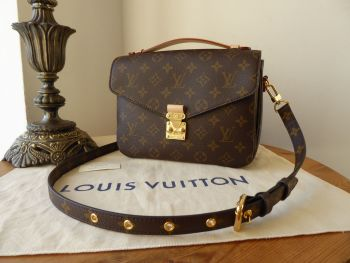 Louis Vuitton Pochette Métis in Monogram Canvas Vachette