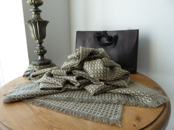 Mulberry 'Swallows in Flight' Rectangular Scarf Wrap in Olive & Cream 100% Cashmere