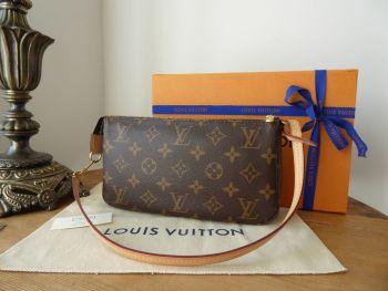 Louis Vuitton Pochette Accessoires in Monogram Vachette