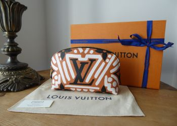Louis Vuitton Crafty Pochette Cosmetique Cosmetic Pouch in Giant Monogram - New
