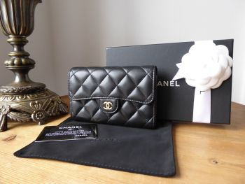Chanel Classic Medium Flap Purse Wallet in Black Quilted Lambskin with Gold Hardware