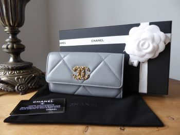 Chanel 19 Medium Flap Wallet in Grey Lambskin  - SOLD