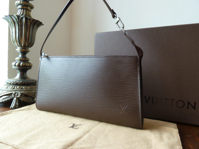 Louis Vuitton Sac Plat PM in Noir Epi Leather - SOLD
