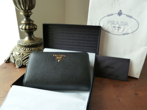 Prada Saffiano Continental Purse in Nero- SOLD