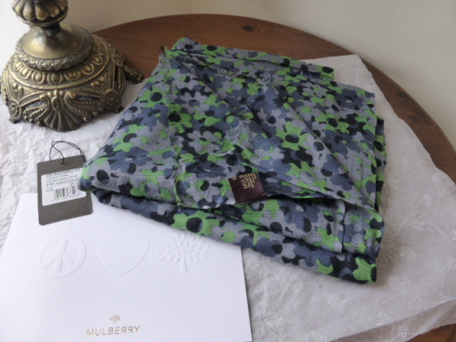 Mulberry Maxi Wrap Winter White Rumpled Roses Silk - As New*