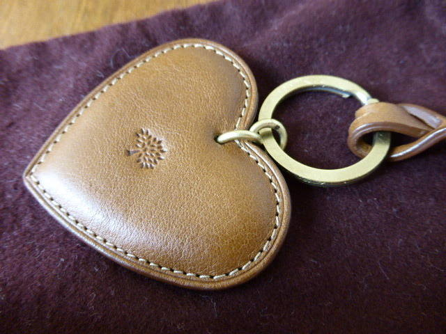 Mulberry Heart Keyring Oak 1