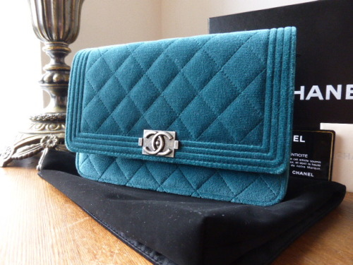 Chanel Half Moon Wallet on Chain in Bleu Clair Caviar Leather - As New