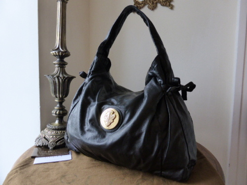 Gucci D Ring Medium Hobo in Ebony & Beige Monogram GG