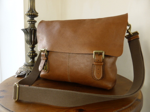 Mulberry Barnaby Large Messenger in Oak Natural Leather
