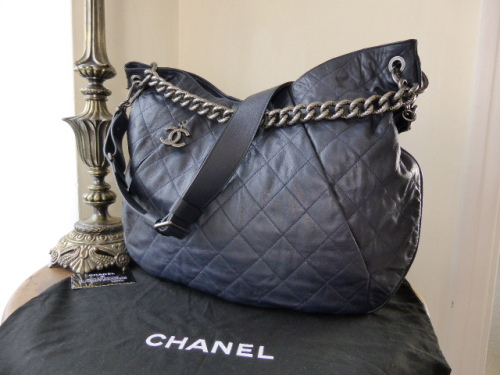 1e35d72f3e0e7 Chanel Coco Pleats Hobo Messenger in Marine Fonce with ...