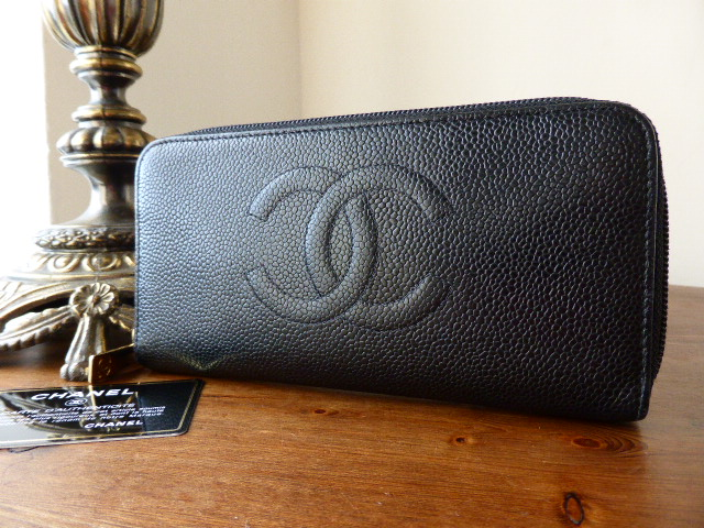 Chanel Zip Around Blk Caviar Purse