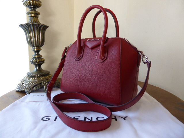 Givenchy Antigona (small) in Smooth Coral Leather - New