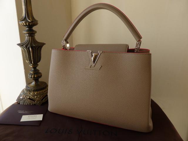 Louis Vuitton Capucines MM Galet Litchi NEW