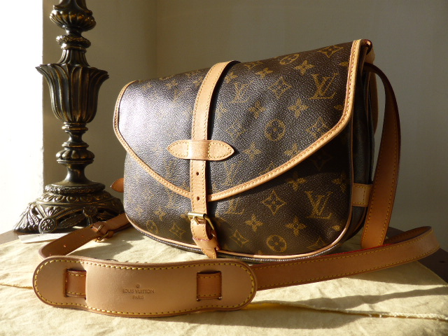 Louis Vuitton Saumur MM in Monogram