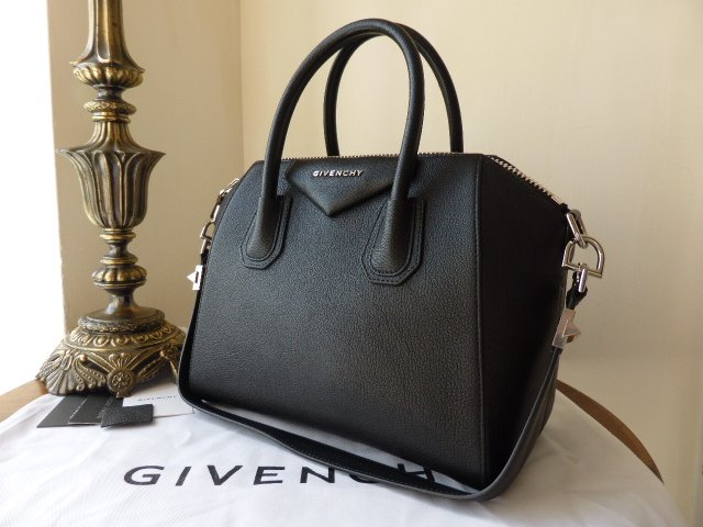 Givenchy Antigona (small) in Black Goat Leather