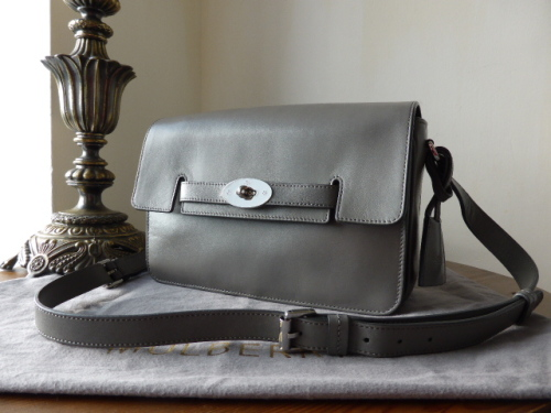 Mulberry Bayswater Shoulder in Pavement Grey Silky Classic Calf Leather