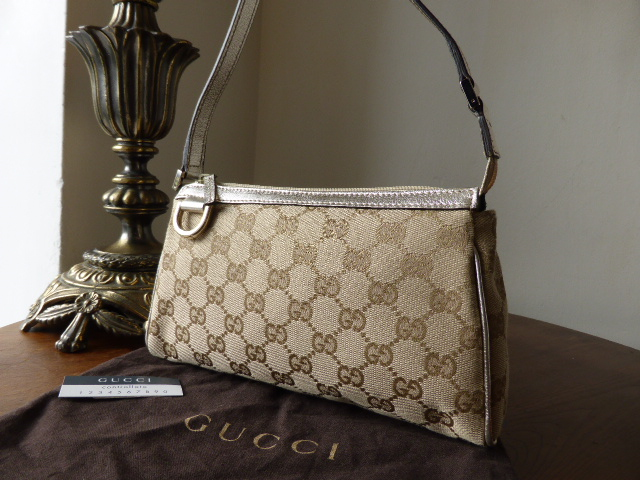 Gucci Abbey D Ring Pochette in Metallic Gold - As New