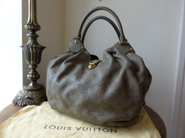 Louis Vuitton Mahina Gris