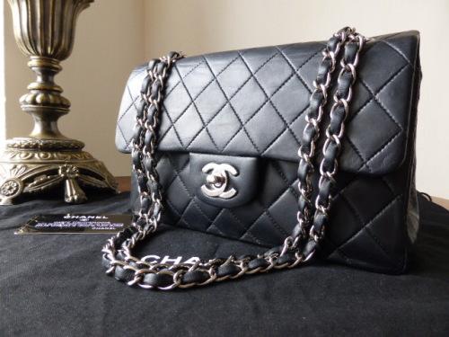 Chanel Classic 9