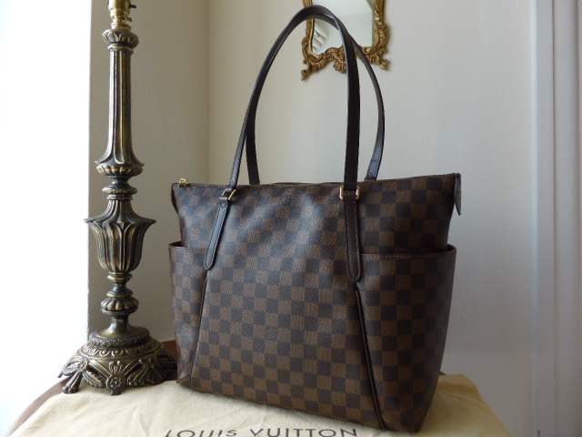 Louis Vuitton Totally MM in Damier Ebene