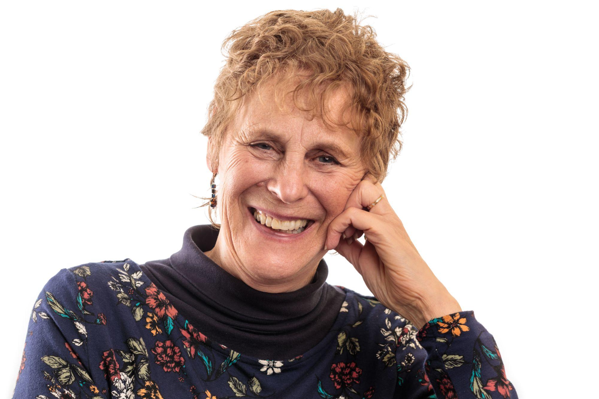 Delcia McNeil - Psychotherapist Supervisor, Mentor, Healer, Artist
