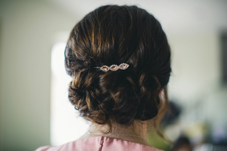 wedding-hairstyle by sheenasweddinghairstyles-image by lifelinephotography