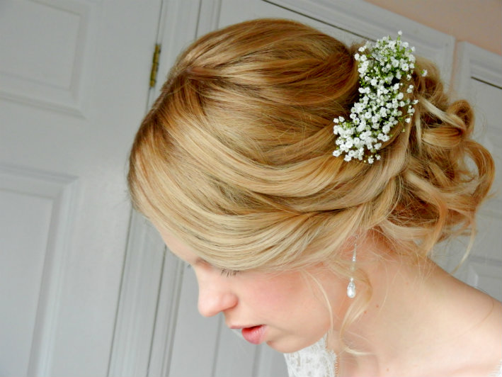 wedding-hair-styled-by-cotswold-bridal-hairstylist-uk-jpwy (7)