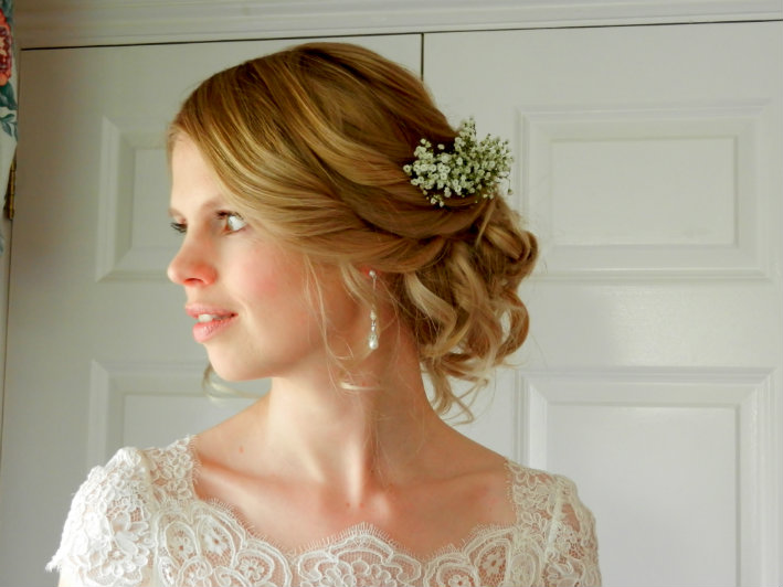 wedding-hair-styled-by-cotswold-bridal-hairstylist-uk-jpwy (13)
