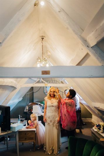 Cripps-Barn-wedding-hairstylist-gloucesterhsire-HAN 1