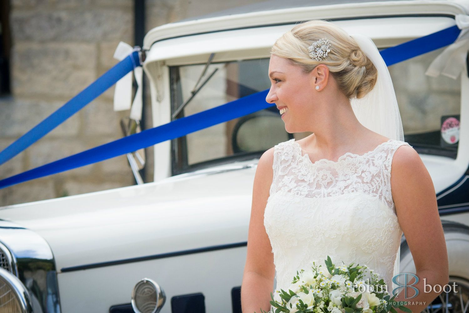 Cotswolds-bridal-hairstylist-UK-Kthrnhold-1