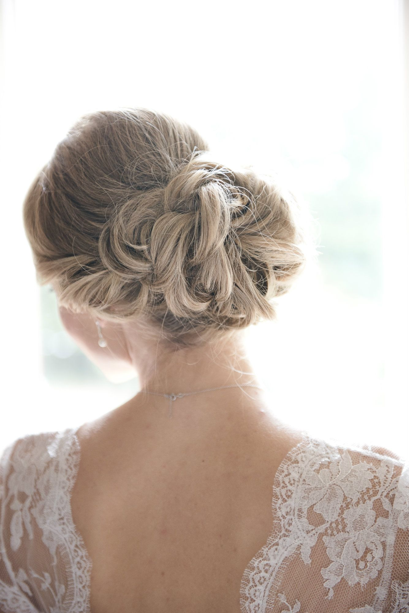 Cotswolds-bridal-hair-tylist-UK-HLN1