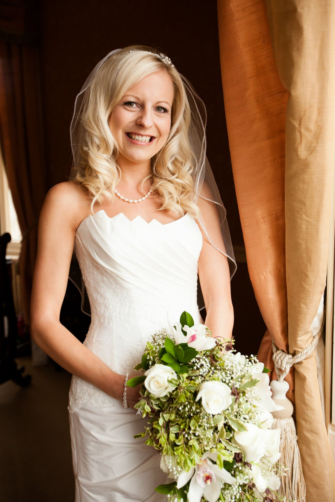 Gloucestershire-wedding-venue-hair-stylist-JNRKWD-1 (2)