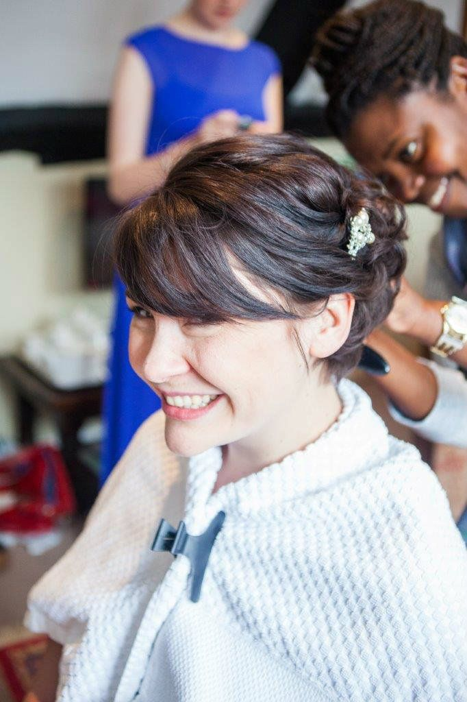 Burford-Oxfordshire-mobile-wedding-hair-stylist-UK-KTYMT-1 (1)