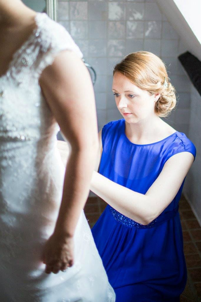 Burford-Oxfordshire-mobile-wedding-hair-stylist-UK-KTYMT-1 (2)