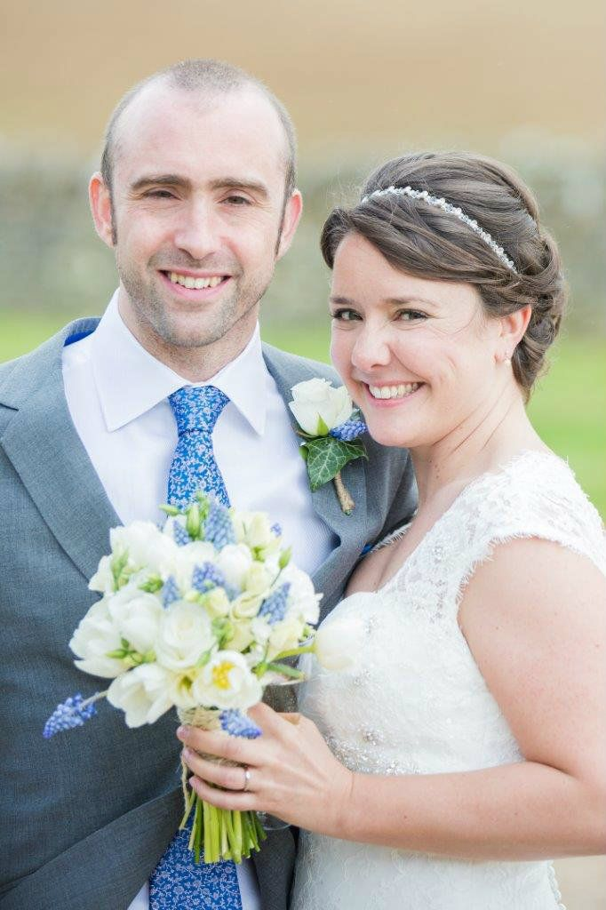 Burford-Oxfordshire-mobile-wedding-hair-stylist-UK-KTYMT-1 (9)