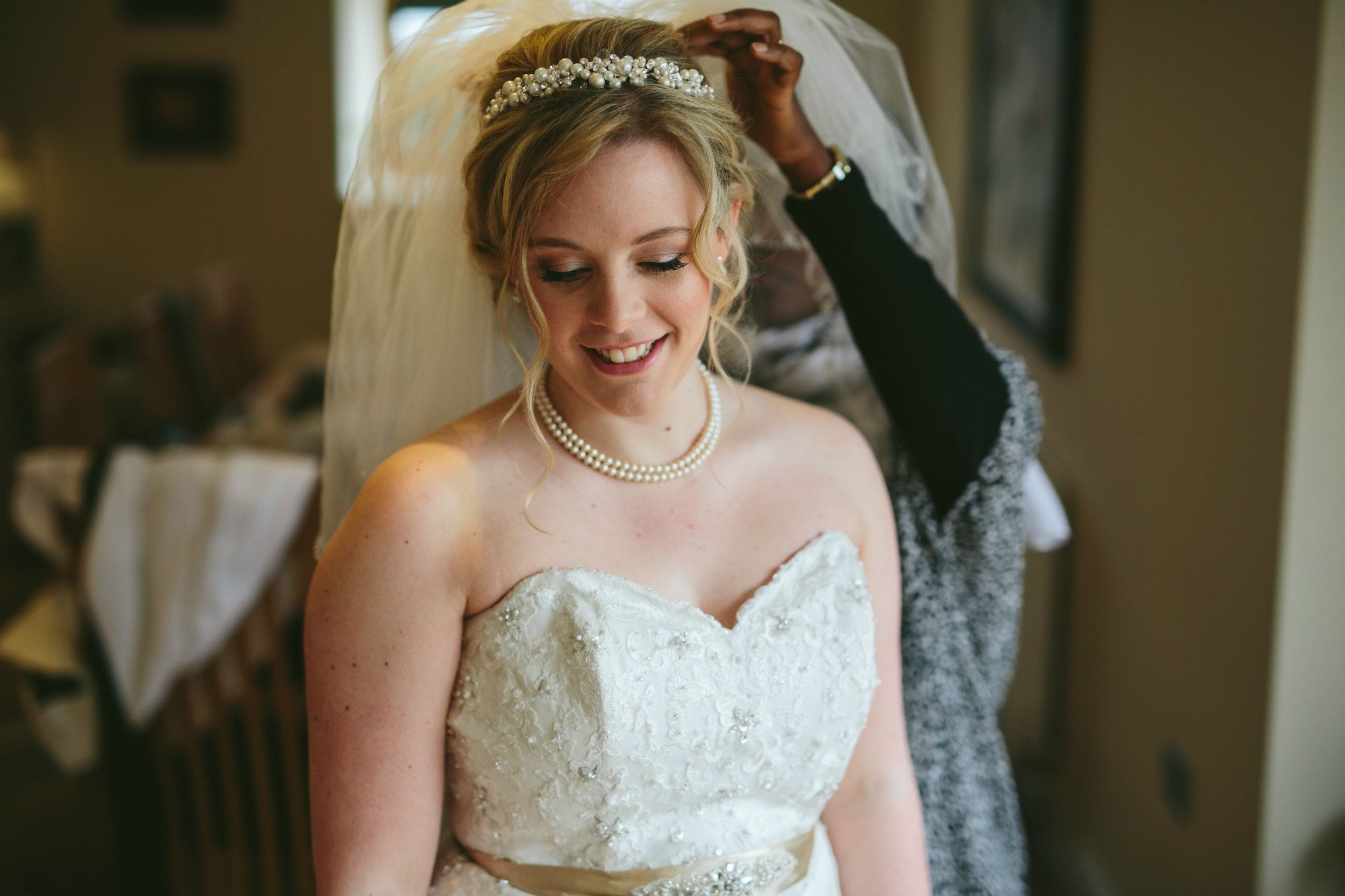 Cotswold-bridal-hair-stylist-UK-BTHAN2.bride.22