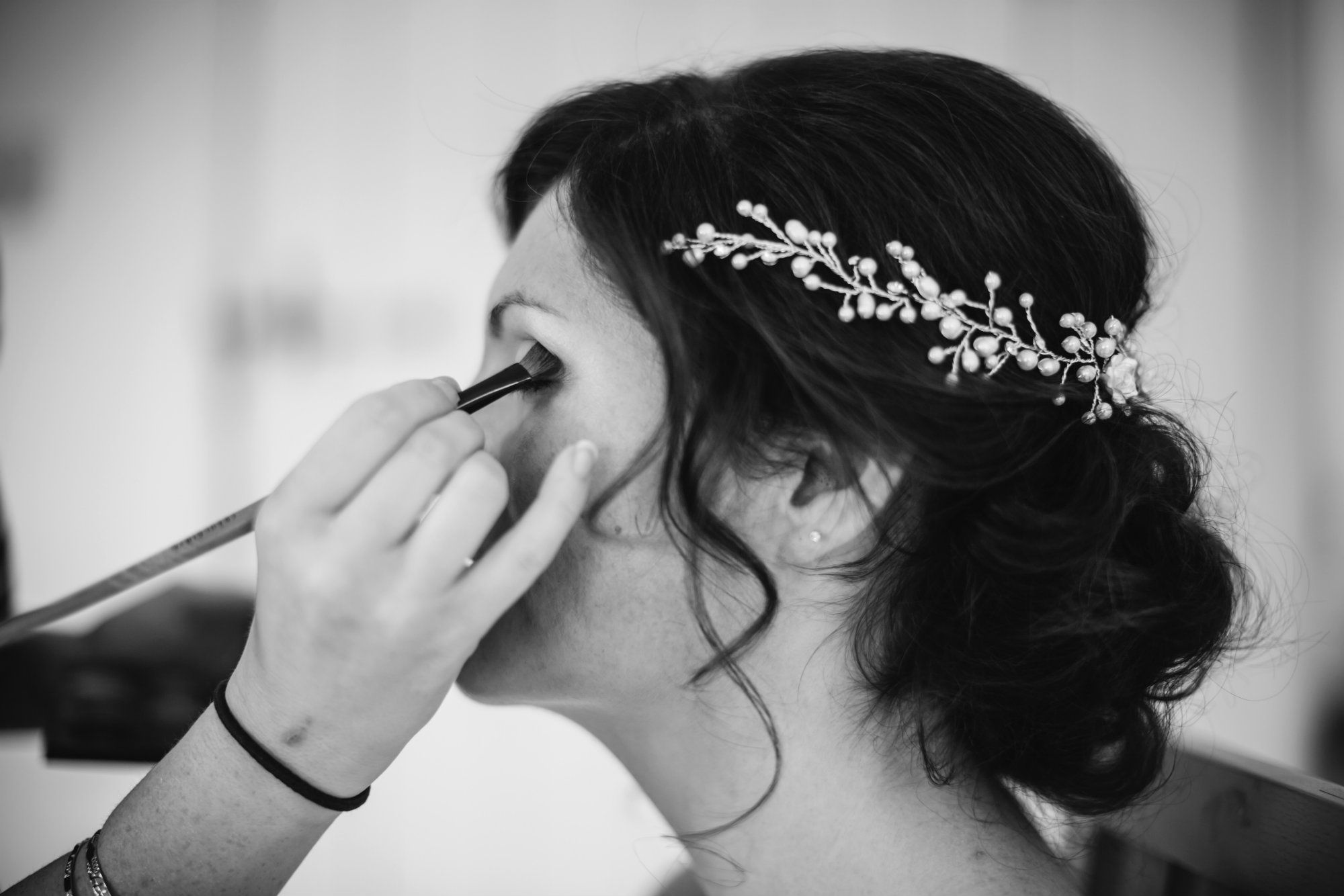 Gloucetershire mobile wedding hairdresser-UK
