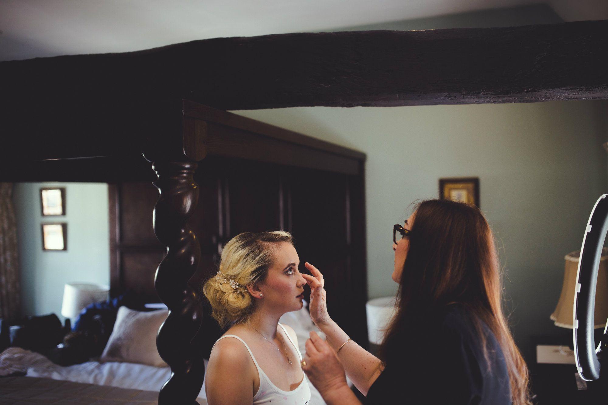 Burford-Oxford-mobile-wedding-hairdresser-Oxfordshire-UK-JEN-40