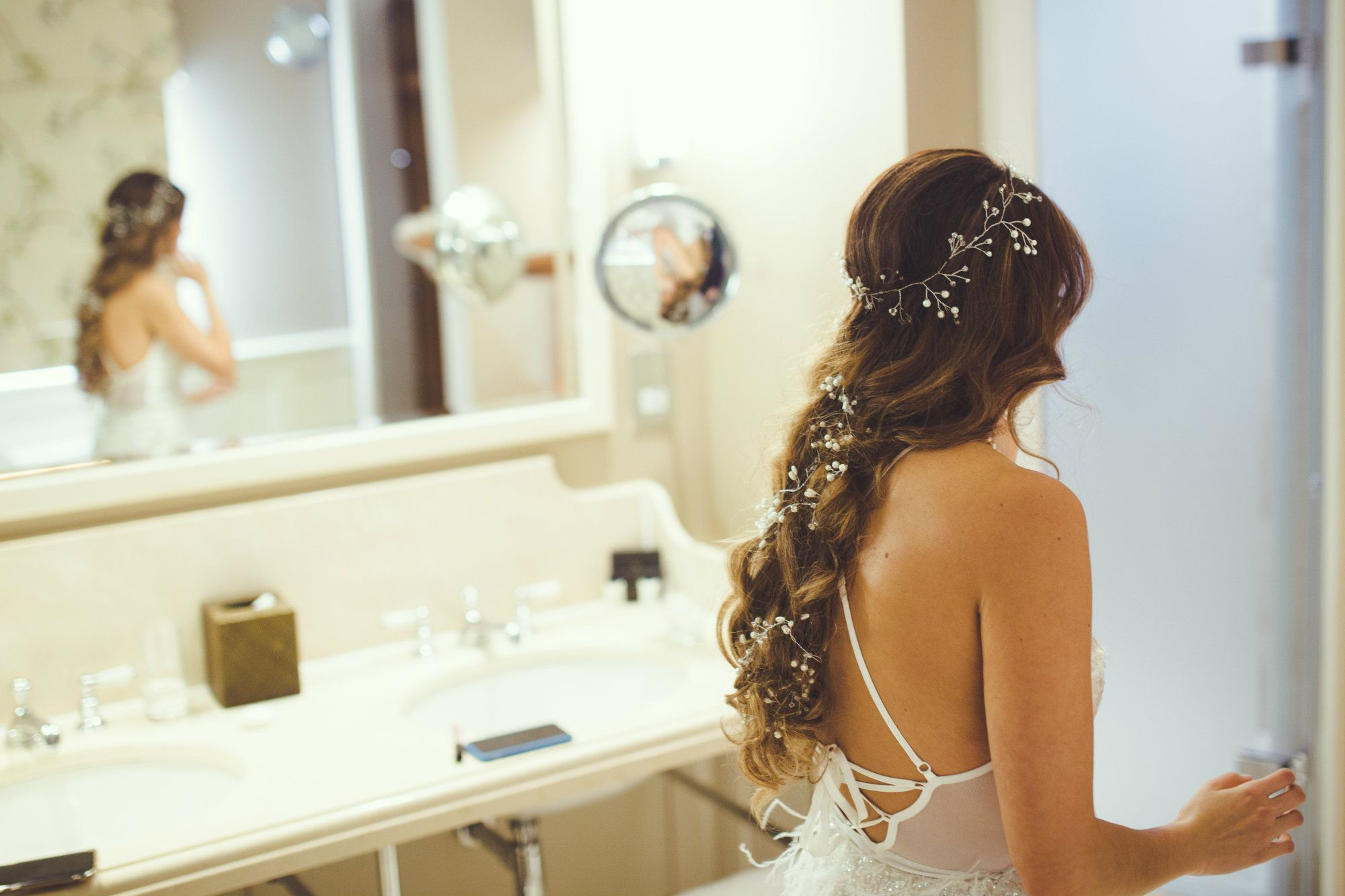 Bridal hair stylist-UK