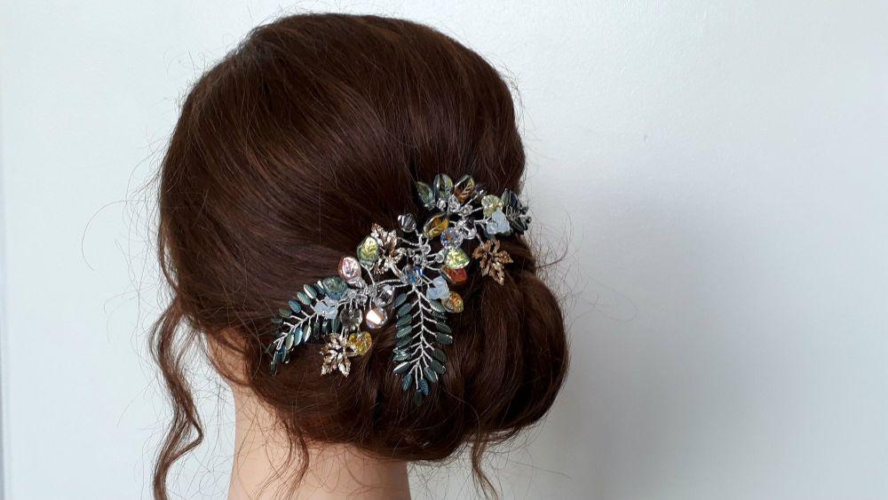 Bohemian-woodland-green-gold-leaf-wedding-hair-accessory-0190801_142754