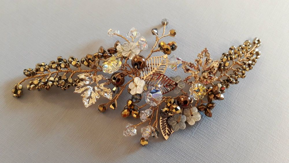 bespoke-autumnal-occasion-bridal-hair-accessory-UK-GLD181540
