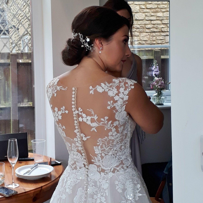 Cotswolds-wedding-hair stylist-Gloucestershire-UK